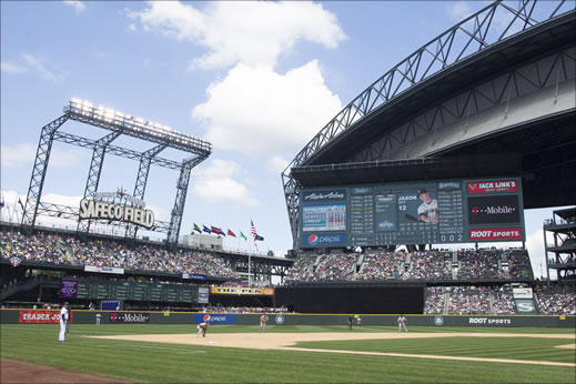 Seattle Mariners Debuts Fujinon HD Imagery on Big Board to Safeco