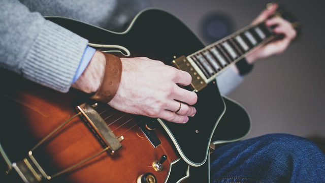 Hollowbody electric jazz guitar