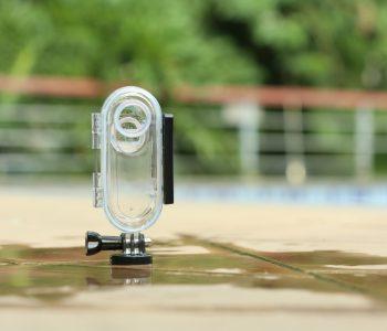 Insta360 ONE Waterproof Housing_product shot 2.JPG